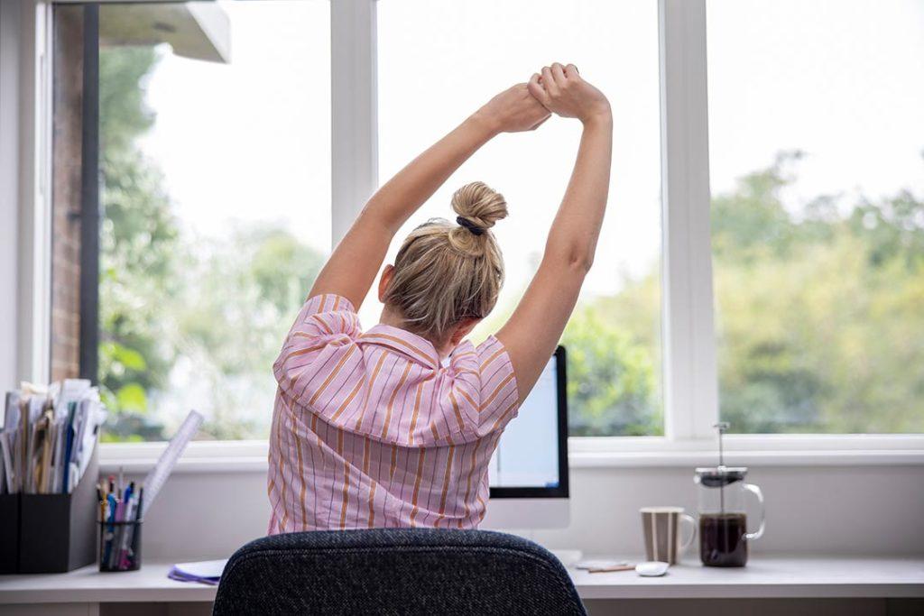 Com millorar la higiene postural durant el teletreball